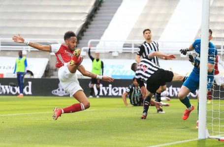 Newcastle 0-2 Arsenal: Aubameyang,  Elneny On Target As Gunners Cruise To Vital Win